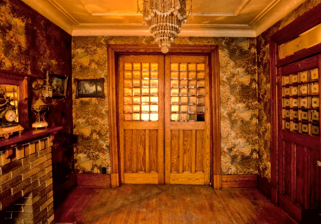 Victorian Foyer News : Haunted house ratehub