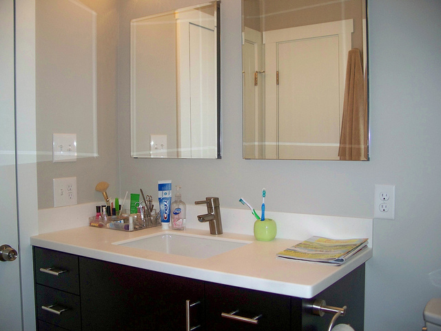 condos-bathroom-vanity