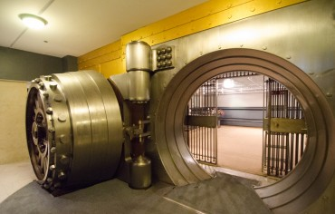 bank-vault-canada