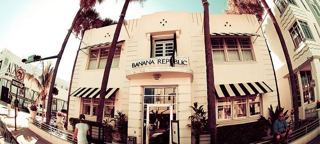 retail-shopping-banana-republic