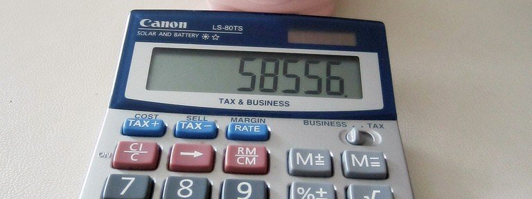 piggy-bank-calculator-invest-savings