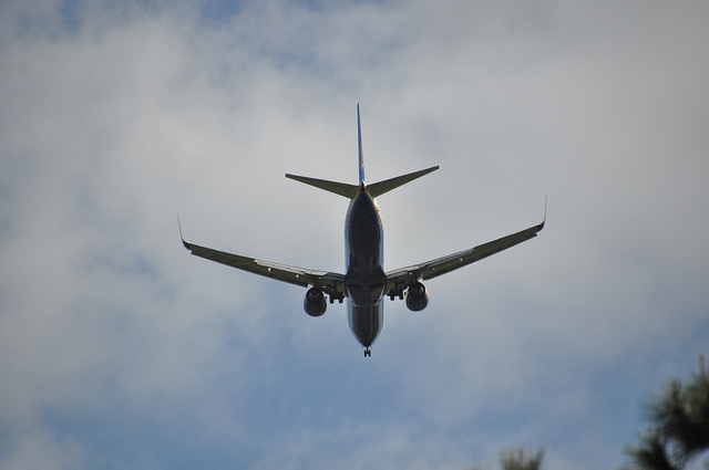 airplane-flight-travel
