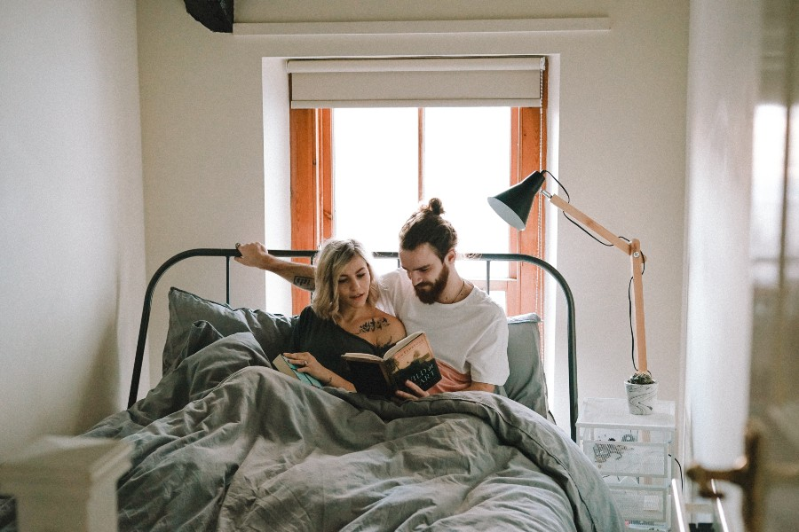 average-cost-home-insurance-ontario-couple-in-bed