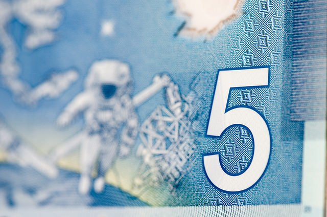 5-dollar-bill-money-canada