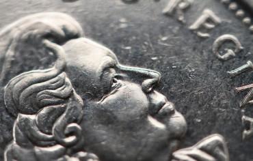 queen-coin-money-saving