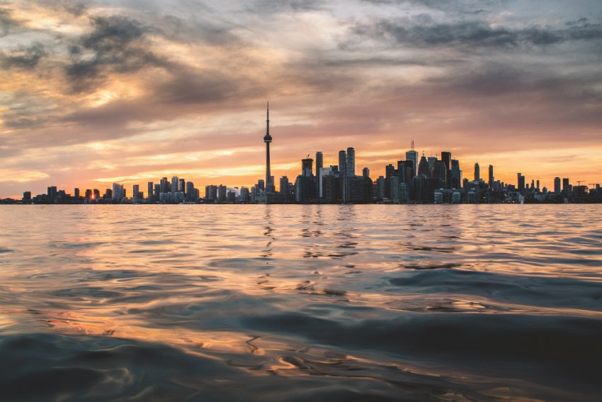 how to rent a condo in toronto