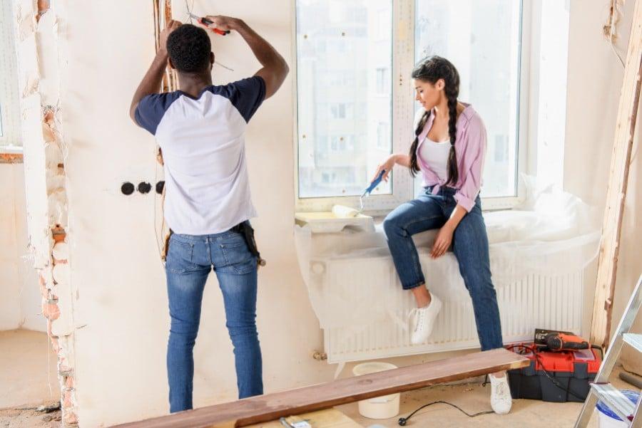aluminum-wire-couple-repairing-home