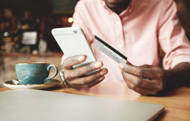 e-wallet-digital-wallet-smartphone-credit-card