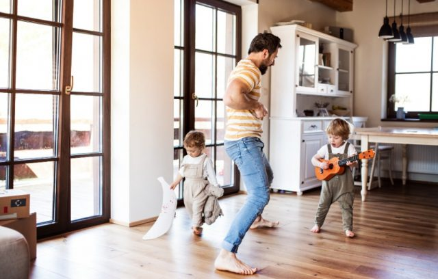 doors-home-insurance-family-playing-music-together