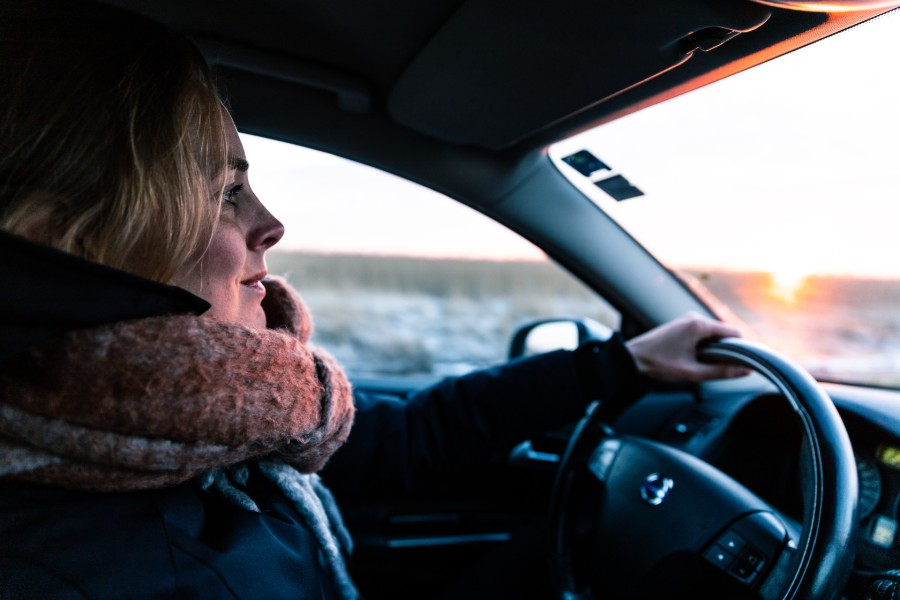lying-to-your-insurance-company-women-driver-looking-scared