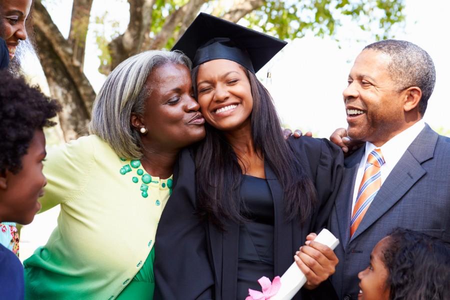 tenant-insurance-for-university-students-family-graduate-mom-dad
