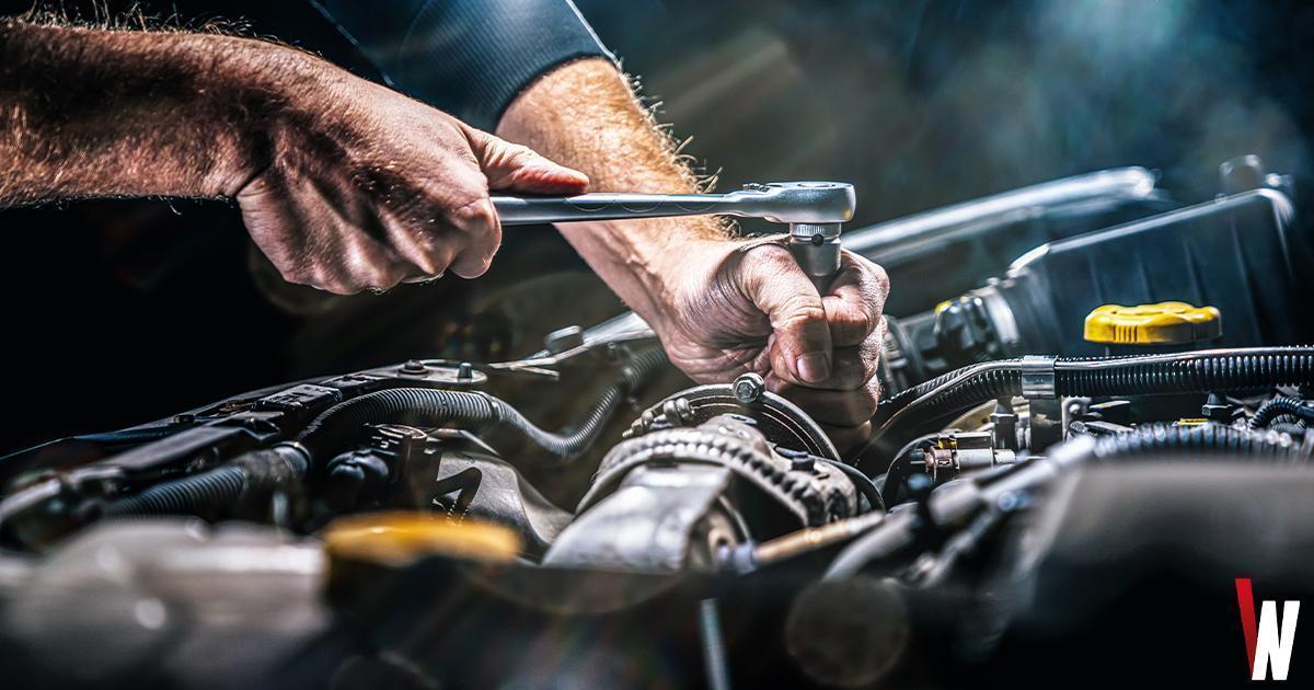 socket-wrench-car-engine-tuning