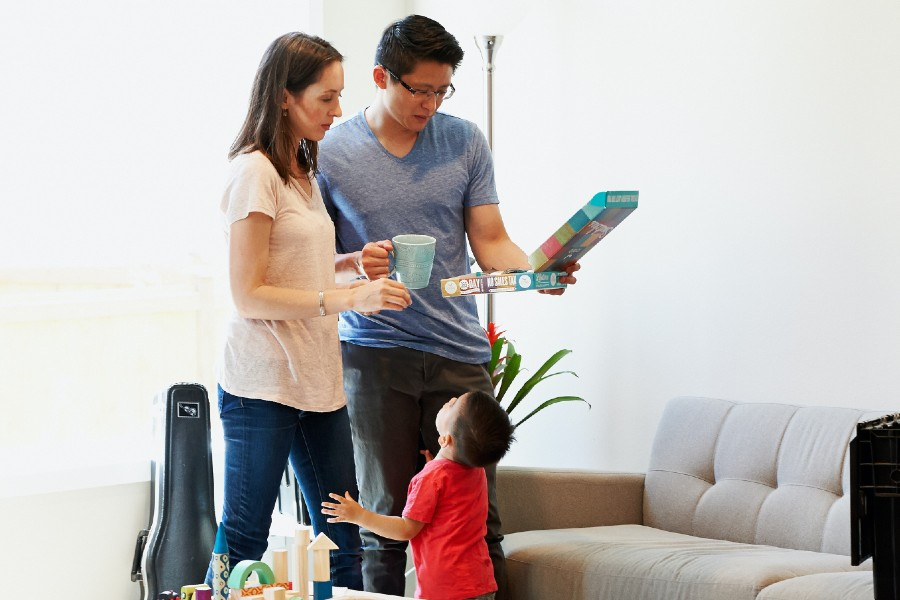 a-lenders-private-lenders-single-child-family-living-room-board-game