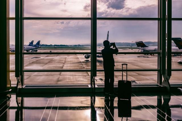airport-travel-e1476300871686